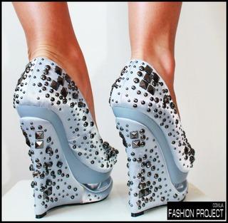 Нарядные туфли на высокой платформе, каблуке