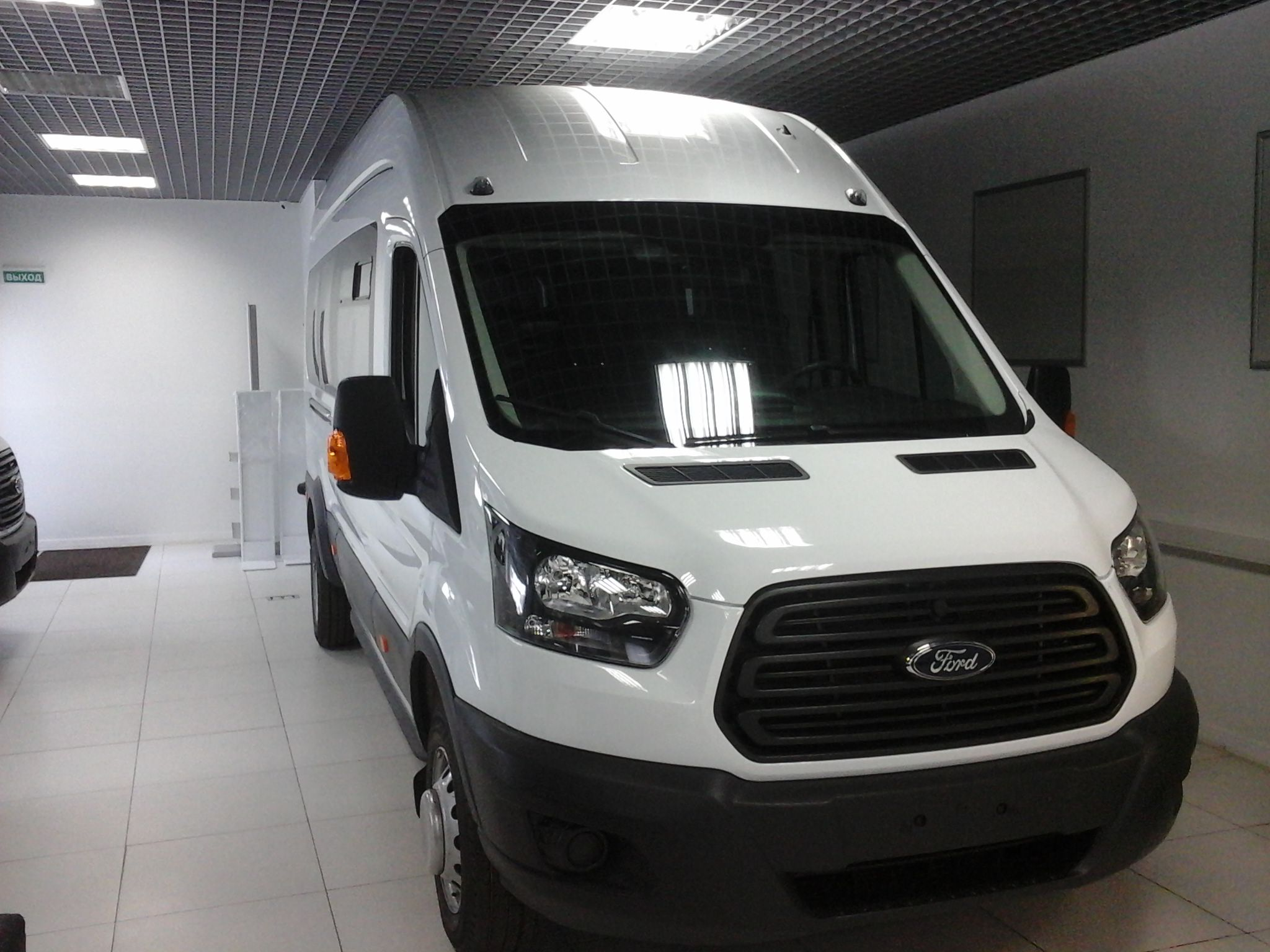 Ford Transit 171 туристический микроавтобус