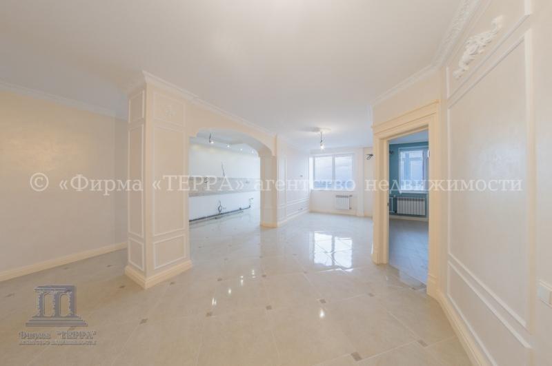 3 комнатная квартира в новом доме с отличным ремонтом на зжм в Ростове
