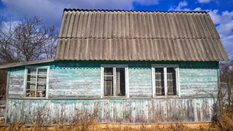 Добротный бревенчатый дом с баней в СНТ под Псковом