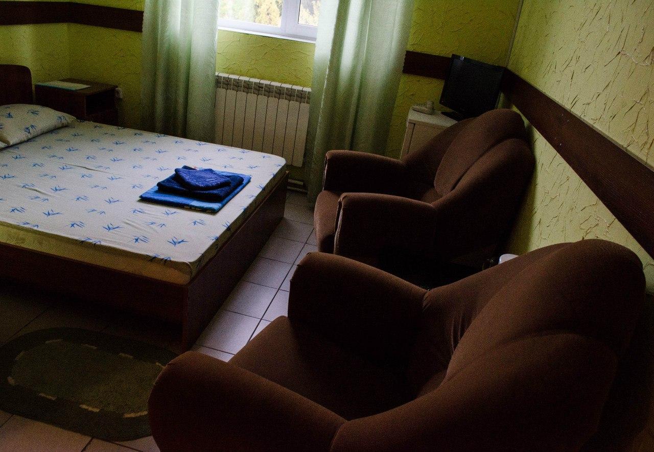 Номера гостиницы Барнаула с услугой доставки блюд